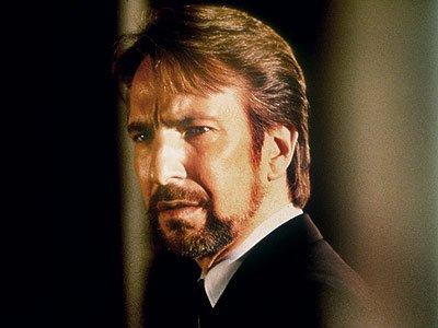 Alan Rickman est Hans Gruber dans Die Hard1.