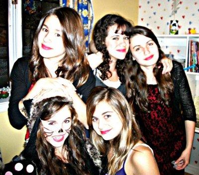 Isaure , Magali , Frédérique , Clémentine & moi :)