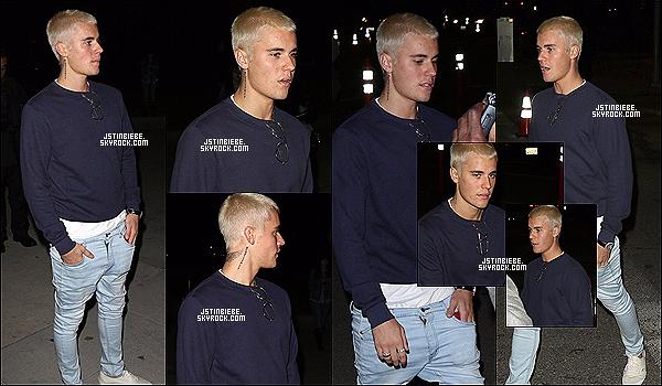 26/02/16 :  Justin a été vu par les paparazzis dans les rues de Los Angeles, en Californie (Etats-Unis).   J'aime beaucoup sa tenue. Son jean le met en valeur et la couleur de son pull lui va à ravir. De plus, j'adore quand il porte des bagues.