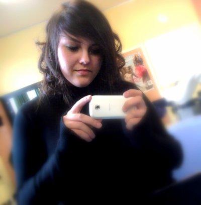 xMéliissa ♥   Jajaa met krullen op school ;O