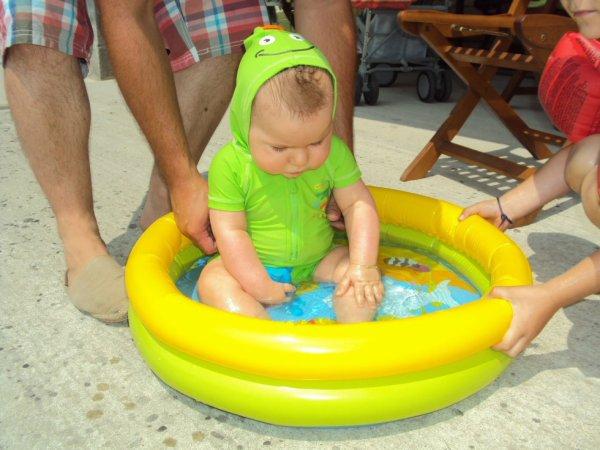 Moi aussi je vais a la piscine!!