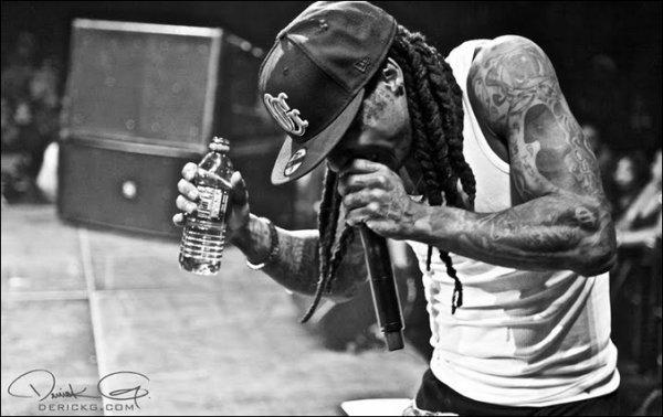 y _____Young Money en force en 2011 !__________En effet c'est une année très chargé pour eux. y --__----L'année 2011 est très charger pour Young Money et Cash Money (Label de Birdman),pas moins de 8 albums sont prévus jusqu'en septembre ! Pour commencer en beauté Lil Wayne devrait sortir  « Tha Carter IV » le 24 mai prochain. Bow Wow,Glasses Malone,Brisco,Lil Twist et Khaled suivrons en Juin. Drake arrivera en Septembre avec « Take Care » que tout le monde attend avec impatience. Pas d'album pour Nicki qui à récemment déjà fait un véritable carton avec son Pink Friday !  Énormément de travail et ont l'espère,beaucoup de succès pour Young et Cash Money !    y Article entièrement réécris par moi   ©