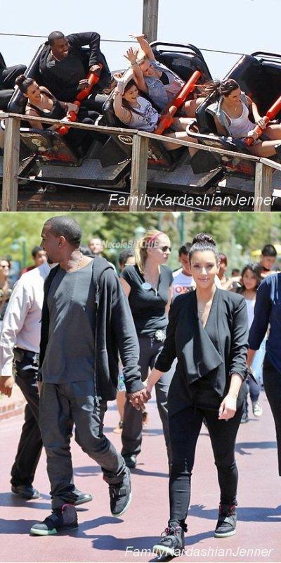 17 Juillet 2012. Kim Kanye Kylie & Kendall ont été vue à Magic Montains