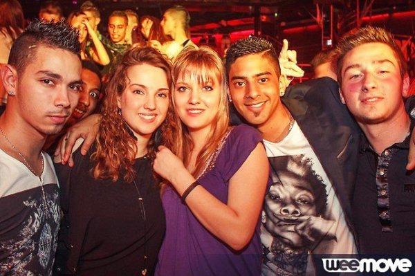 En soirée avec les amis