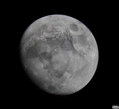 mm la lune t'admiiire ts comme moi ;)
