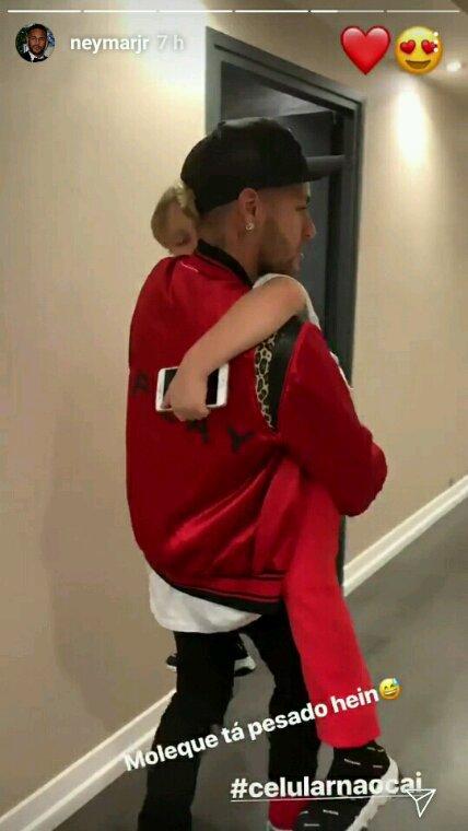 Neymar JR et son fils Davi
