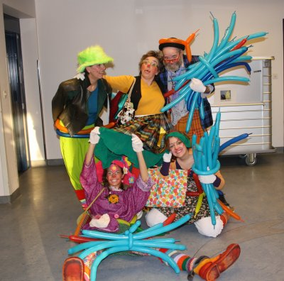 Continuons notre tournée de clown à l Hopital de Porrentruy iiii Très belle après midi .