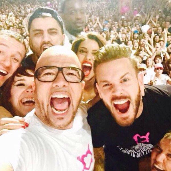 Selfie d'enfoirés! #enfoires2015 #montpellier #arena #surlaroutedesenfoires