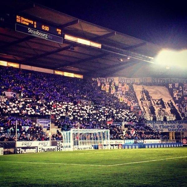 Wow... Strasbourg, stade de la Meinau 25.000 personnes pour un match de national... MAGNIFIQUE! Fier d'être strasbourgeois... Cc @rcsa_officiel #rcssrc #strasbourg #hometown