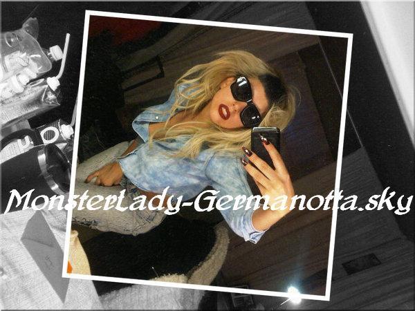 """Lady GaGa a twittée à propos de son deuxième single """"Judas"""", qui comme elle l'avait précisé, sortira une à deux semaines avant la sortie de son album, et bien nous avons une date le 8 Mai prochain date UK! Comme pour """"Born This Way"""" il est possible qu'il soit diffusé quelques jours avant en radio."""