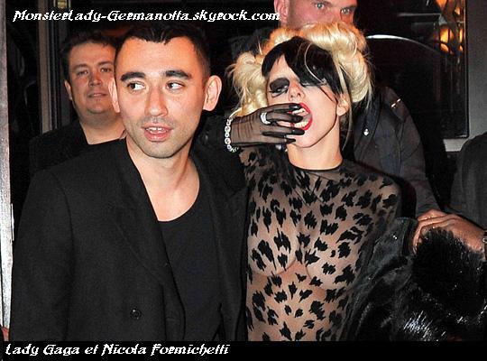 02/03/11: Lady GaGa a été aperçue à Paris deux fois par les paparazzi, la première a son arrivée au défilé Thierry Mugler et la deuxième à son départ,