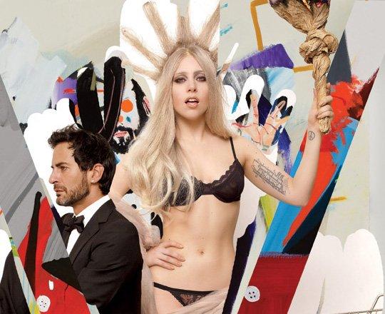 "Gaga , chroniqueuse pour le magazine ""V"""