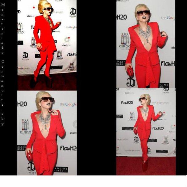 """Lady Gaga au diner  ATOM FACTORY +Dans la nuit du dimanche 28 au lundi 29 Août à exactement 3H [heure Française], Lady Gaga aura l'honneur et le privilège d'ouvrir la cérémonie musicale de l'année: les MTV Video Music Awards 2011, avec une performance penser entièrement par elle, MTV lui a donner carte blanche, elle va donc encore ré-inventé la culture Pop à sa façon et sous les yeux de l'Amérique!   Plus tard dans la soirée, Gaga participera aussi à l'hommage de celle qui selon elle a changer à jamais l'histoire de la musique Pop: La grande Amy Winehouse qui est malheureusement décédé le 23 juillet dernier à Londres. En effet Tony Bennett va chanté son titre inédit """"Body and Soul"""" - qui est initialement chanter en duo avec Amy Winehouse - il sera ensuite rejoint sur scène par Lady Gaga et la talentueuse Adele."""
