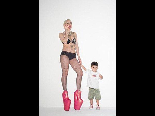 Gaga chantera  à l'ouverture et à la fermeture des Grammy Awards :p