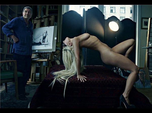 PHOTOSHOOTS DE LADY GAGA PAR LA PHOTOGRAPHE ANNIE LEIBOVITZ.