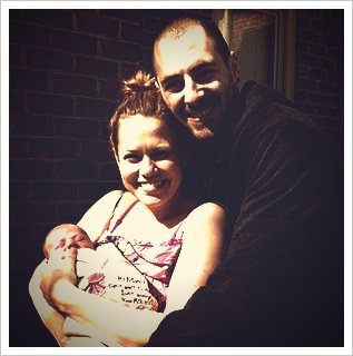 Bethany Joy Galeotti, alias Haley James Scott dans la série Les Frères Scott, vient d'accoucher d'une petite fille, prénommée Maria. L'actrice de 29 ans et son mari, Michael, sont aux anges. Et ils le font savoir...