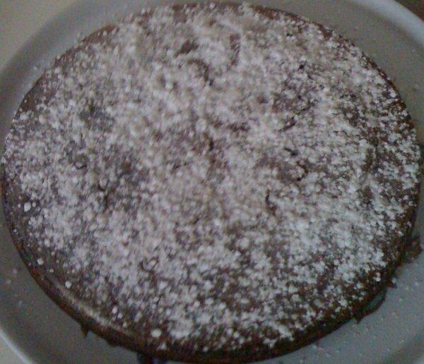 Minnie a appris a Mickey comment nous faisons un gâteau au chocolat .. Veux tu savoir ?! :3