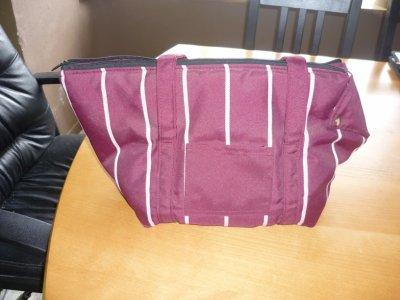 A vendre sacs, maisonnette ;)