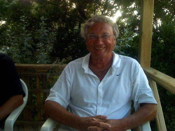 geoltg2  fête aujourd'hui ses 79 ans, pense à lui offrir un cadeau.Hier à 00:00
