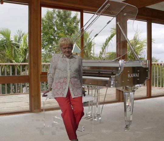 Pricilia  fête ses 60 ans demain, pense à lui offrir un cadeau.Aujourd'hui à 00:00