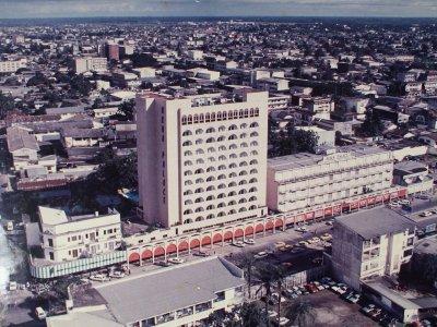 Quartier d 39 akwa palace douala cameroun un petit monde for Design hotel douala