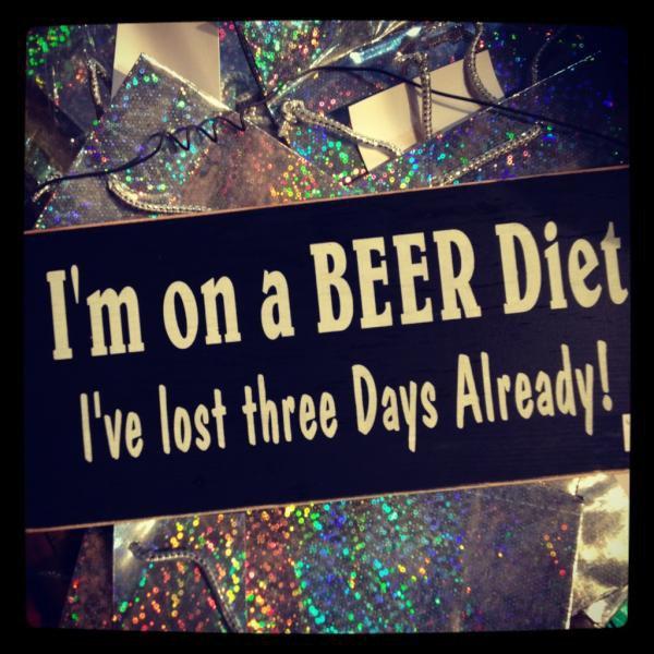 23/12/2011 Citation photo du jour : Je suis sur un régime de bière j'ai perdu trois jours déjà!