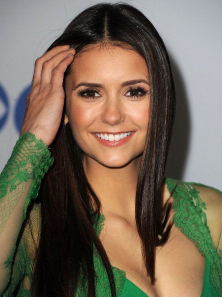 11/01/2012 Nina sur le tapis rouge au 38ème People's Choice Awards