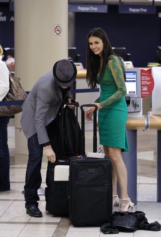12/01/2012 Nina après les PCA était avec Ian a l'aéroport de Lax a Los Angels pour Atlanta
