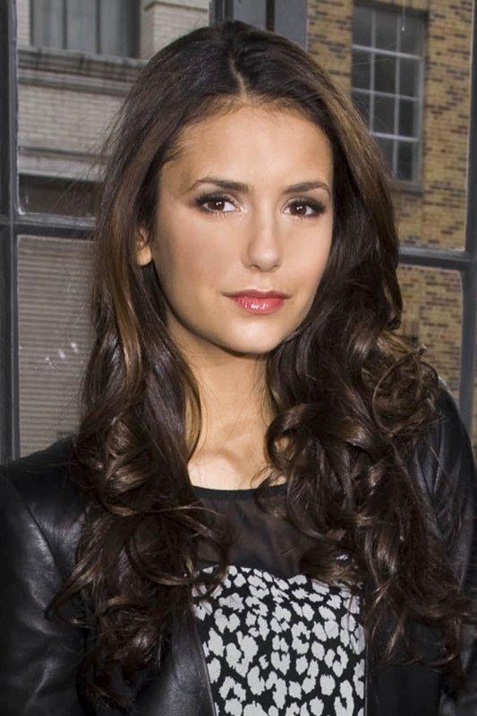 12/02/2012 Nina était au défilé de la marque DKNY lors de la fashion week de New York, accompagné de Ashley Greene et du mannequin Coco Rocha