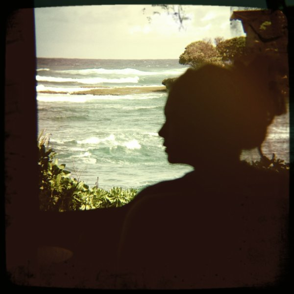08/04/2012 Nina a twitter : Joyeuses Pâques au paradis...