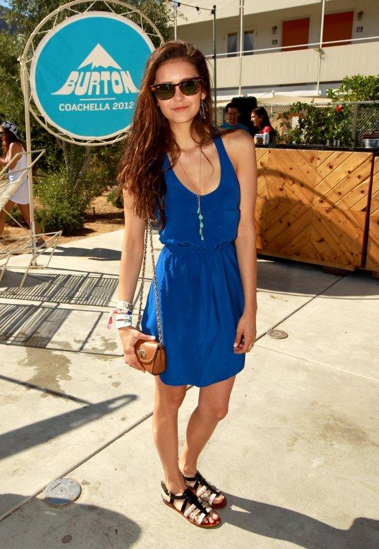 14/04/2012 Nina était à la fête & au barbecue organisé par Burton Snowboards ( Festival Coachella )