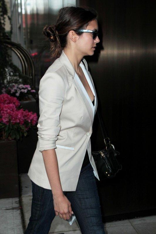 14/05/2012 Nina arrivant a son hôtel a New York