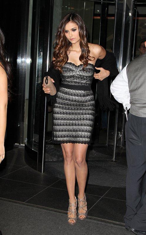 17/05/2012 Nina quittant son hôtel pour l'After Party des CW Upfronts qui s'est déroulé dans le restaurant Colicchio & Sons