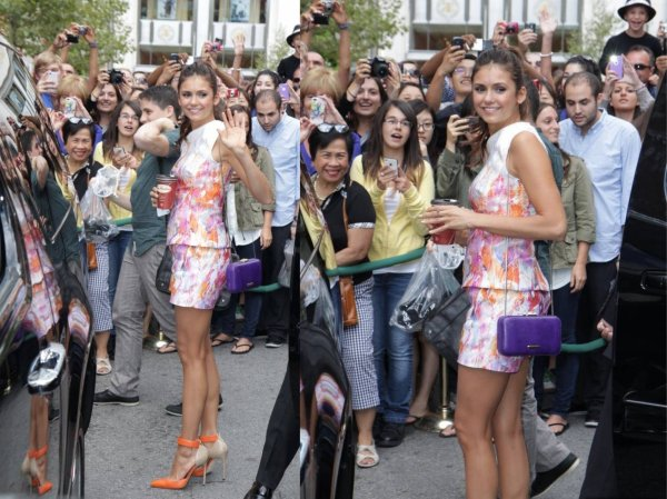 09/09/2012 Nina arrivant sur le plateau de Variety Studio au TIFF