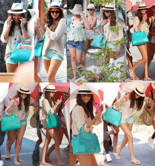 26/04/2013 Nina & des amies dont Julianne Hough & sa coiffeuse Riawna étaient en route pour la plage à Miami en Floride