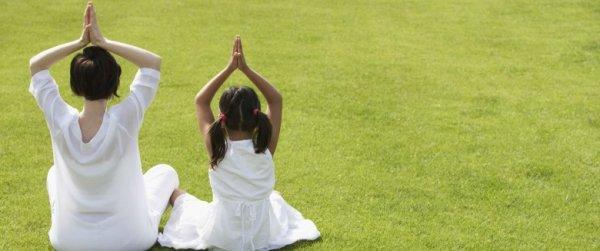 Le yoga pour les enfants, une activité de plus en plus prisée en France