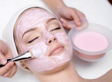 Bonne mine : masque à l'argile rose