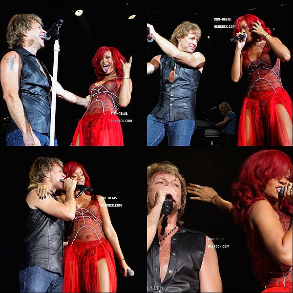 ". 07/11/10 Rihanna a Performer la chansons ""Livin' On a Prayer""Avec John Bon Jovi!!Top ou FlopLachez vos impressions!."