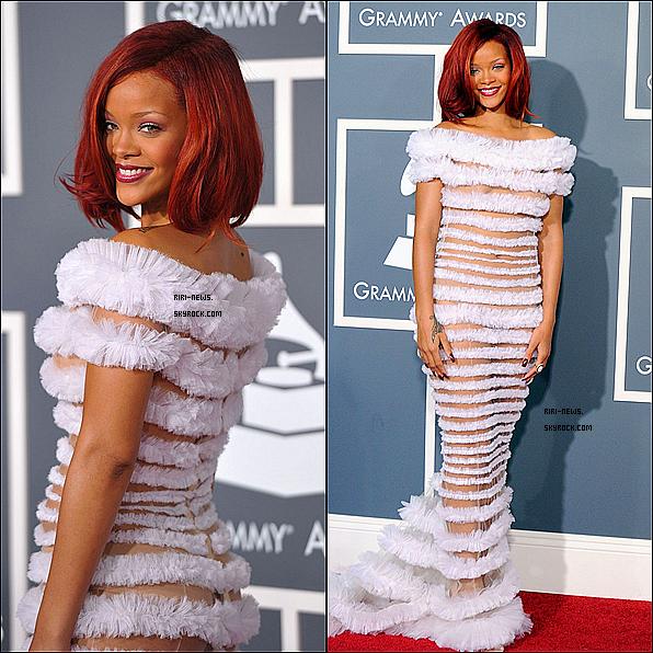""". 13/02 Rih ete au """"Grammys Awards"""" et a chanté """"WTM""""avec Drake,""""LTWYL"""" avec eminemRiri a gagner le prix avec son titre de """"Only Girl (in the world)"""" ."""