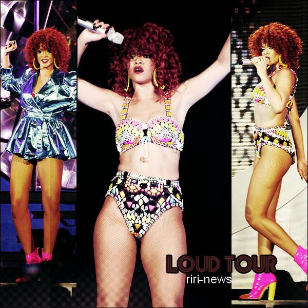 . 07/06/11- Le Loud Tour a commencer , hier a Toronto ,le Show a duré près de deux heures premières critiques sont déjà très positives, Rihanna comme d'habitude nous a fais un show exceptionnelle, .
