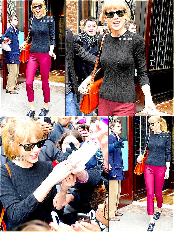 .27.03.13 : Tay quittant son hotel dans New York! Un Top meme si je ne suis pas fan de sa tenue. ..27.03.13 : Taylor continue son RED tour ! Elle a fait un concert dans Newark , New Jersey. .