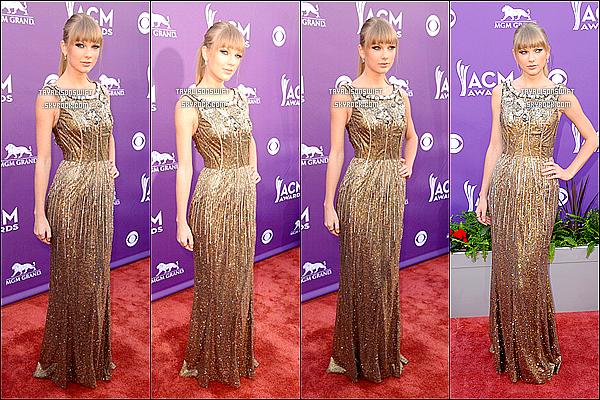 .07.04.13 : Taylor était présente sur le RED CARPET à la 48e cérémonie annuelle des Academy of Country Music Awards dans Las Vegas ! Elle portait une robe en OR ! Elle donna aussi une prestation avec Tim McGraw & Keith Urban est magnifique ! Qu'en pensez vous ? :) .