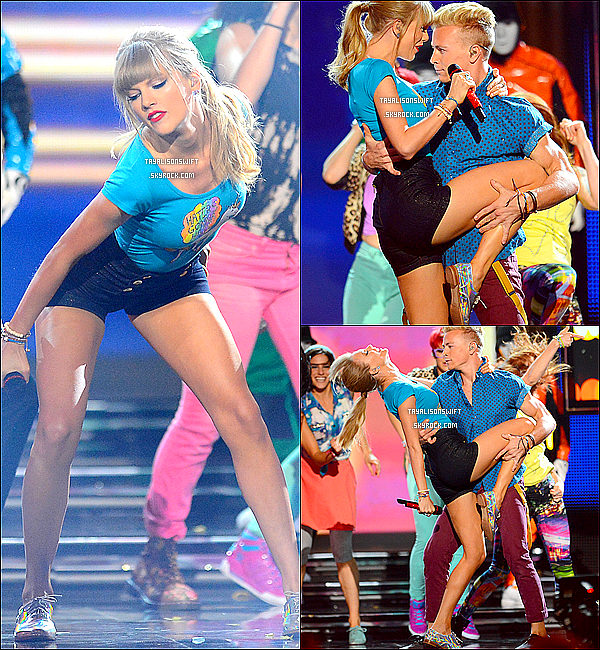.19.05.13 : Taylor était présente aux 2013 BILLBOARD MUSIC AWARDS plus que magnifque à Las Vegas .
