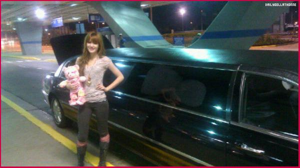Notre belle Bella était à l'aéroport de Chicago ! L'avion était d'ailleurs très en retard ...