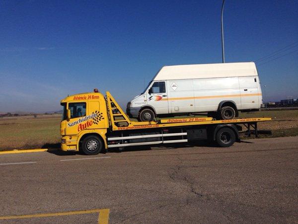 Remolcador de vehículos pesados