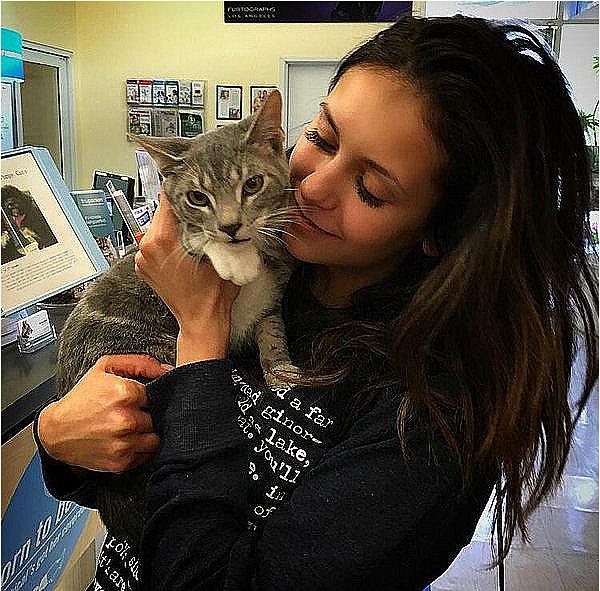 Nina est de retour à LA après son séjour à Hawaii et a posté cette photo ce 7 janvier 2016.