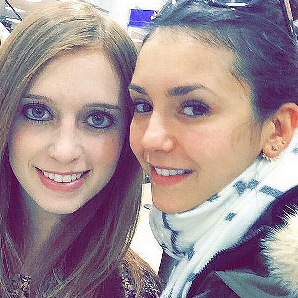 Une fan a croisé Nina à l'aéroport de Salt Lake City dans l'Utah ce 15 décembre 2015.
