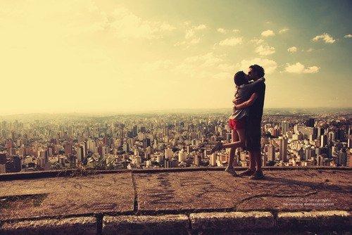 Finalement je ne savais pas ce qu'aimer voulait dire avant toi. Tu changes merveilleusement bien ma vie.