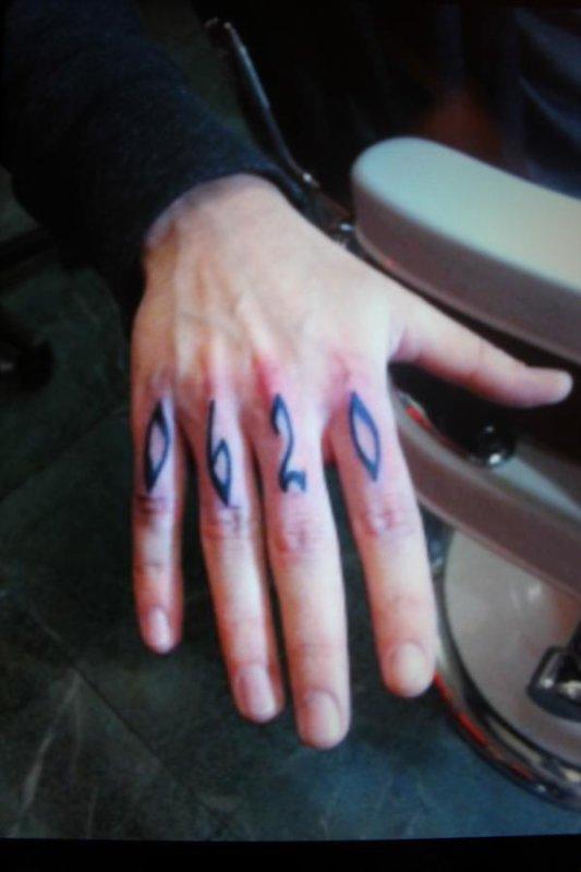 voila le tatouage de Tom
