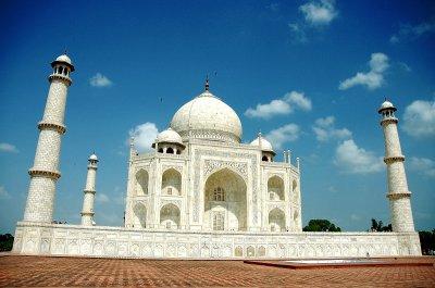 Taaj Maha - Visit India to see How Beautifull and  big is Taaj Mahal